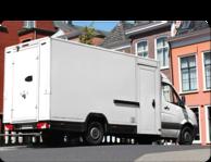 Kleben mit Klebstoff bei der Herstellung von Lieferwagen